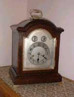 Chiming Mantel clock