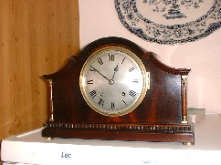 Winterhalder Hofmeier striking mantle clock