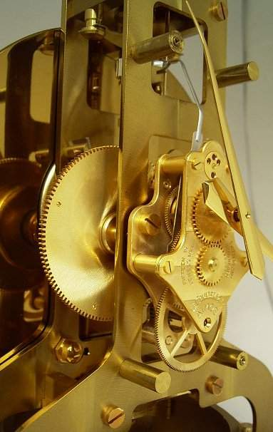 Atmos clock shown with dial removed