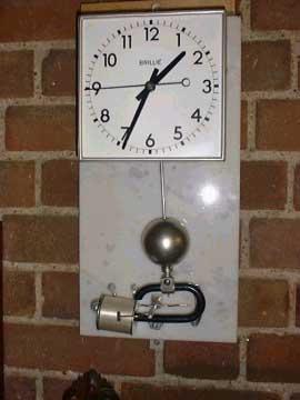 Brillie battery clock metal cased